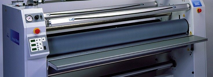 Laminating machine or machine for material protection